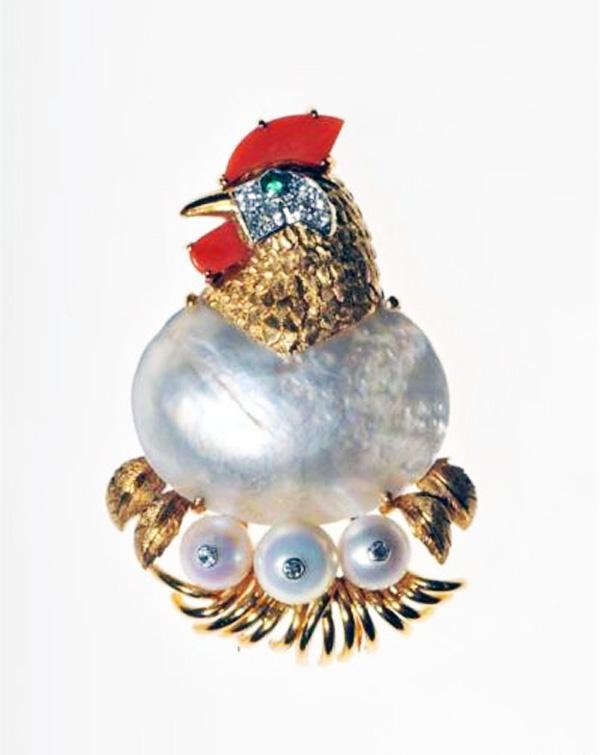 动物造型珠宝中所